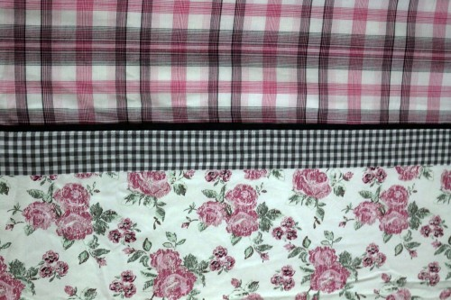 Pink Roses with Pink,Gray Check Double Dohar